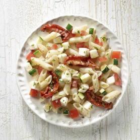 Tomaten-Mozzarella-Nudelsalat (1 kg)